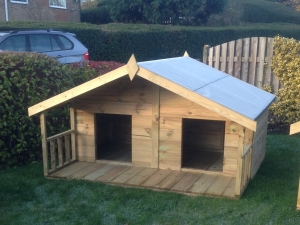 Traditional Apex Double Kennel With Verandah